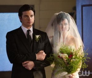 """It's Complicated: Lois Breaks Up With Clark, Smallville """"Phrophecy"""""""