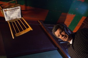 """3 Moments of Goodness from Fringe """"Through the Looking Glass (And What Walter Found There)"""""""