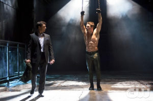 "3 Moments of Goodness from Arrow Season 1 Finale ""Sacrifice"""