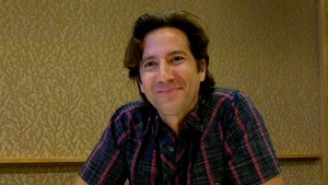 Comic-Con 2013 Quick Takes: Henry Ian Cusick Talks The 100 and Hawaii Five-0 [VIDEO]
