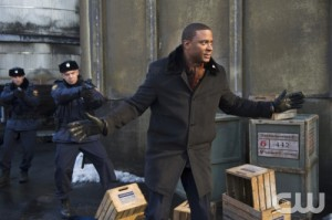"""Character Development: A Glimpse at Diggle's Personal Life, Arrow """"Keep Your Enemies Closer"""""""