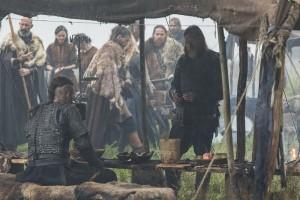 Vikings-Tensions-rise-amongst-allies-Ragnar-and-King-Horik-600x400