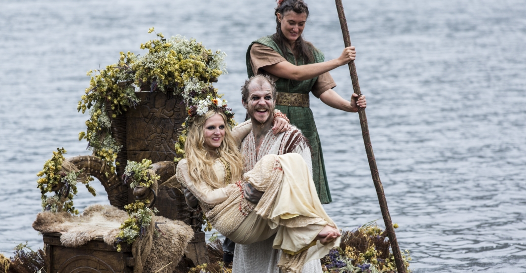 Two Weddings And An Execution Vikings Quot Blood Eagle Quot Tv