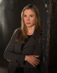 Mira Sorvino Talks Falling Skies and Intruders [Exclusive]