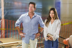 TV Movie Goodness Preview: Hallmark Channel's Stranded in Paradise [VIDEO and PHOTOS]