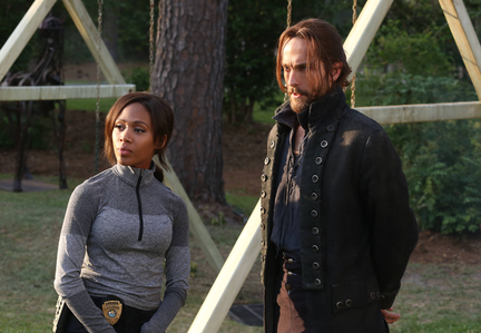 NYCC 2014: Sleepy Hollow EP Talks Abbie and Ichabod [VIDEO, PHOTOS, INTERVIEW]