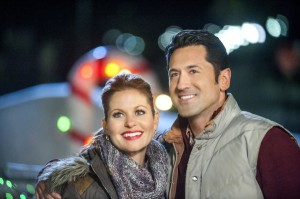 TV Movie Goodness Preview: Christmas Under Wraps [VIDEO and PHOTOS]