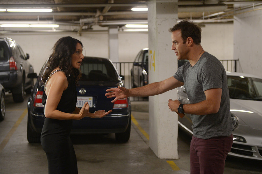 """Girlfriends' Guide to Divorce Preview: """"Rule #21: Leave Childishness to Children"""" [PHOTOS and VIDEO]"""