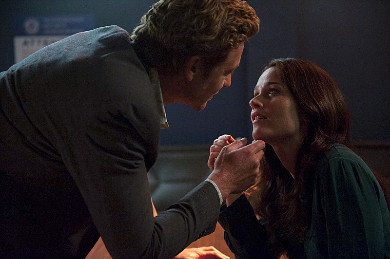 "The Mentalist ""Black Market†and ""Orange Blossom Ice"