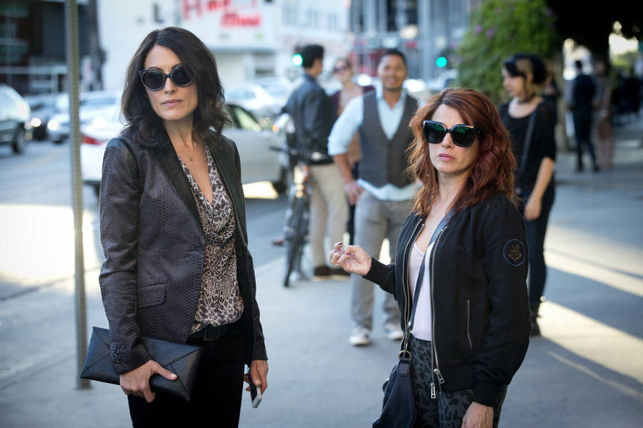 """Girlfriends' Guide to Divorce Preview: """"Rule #32: F-You, Rob Frumpkis!"""""""