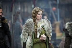 Queen Aslaug (Alyssa Sutherland)