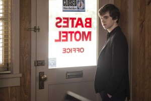 Freddie Highmore and Kerry Ehrin Discuss Bates Motel Season 3 [INTERVIEW]