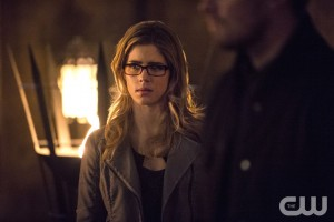 "Felicity Refuses To Back Down, Arrow ""The Fallen"""