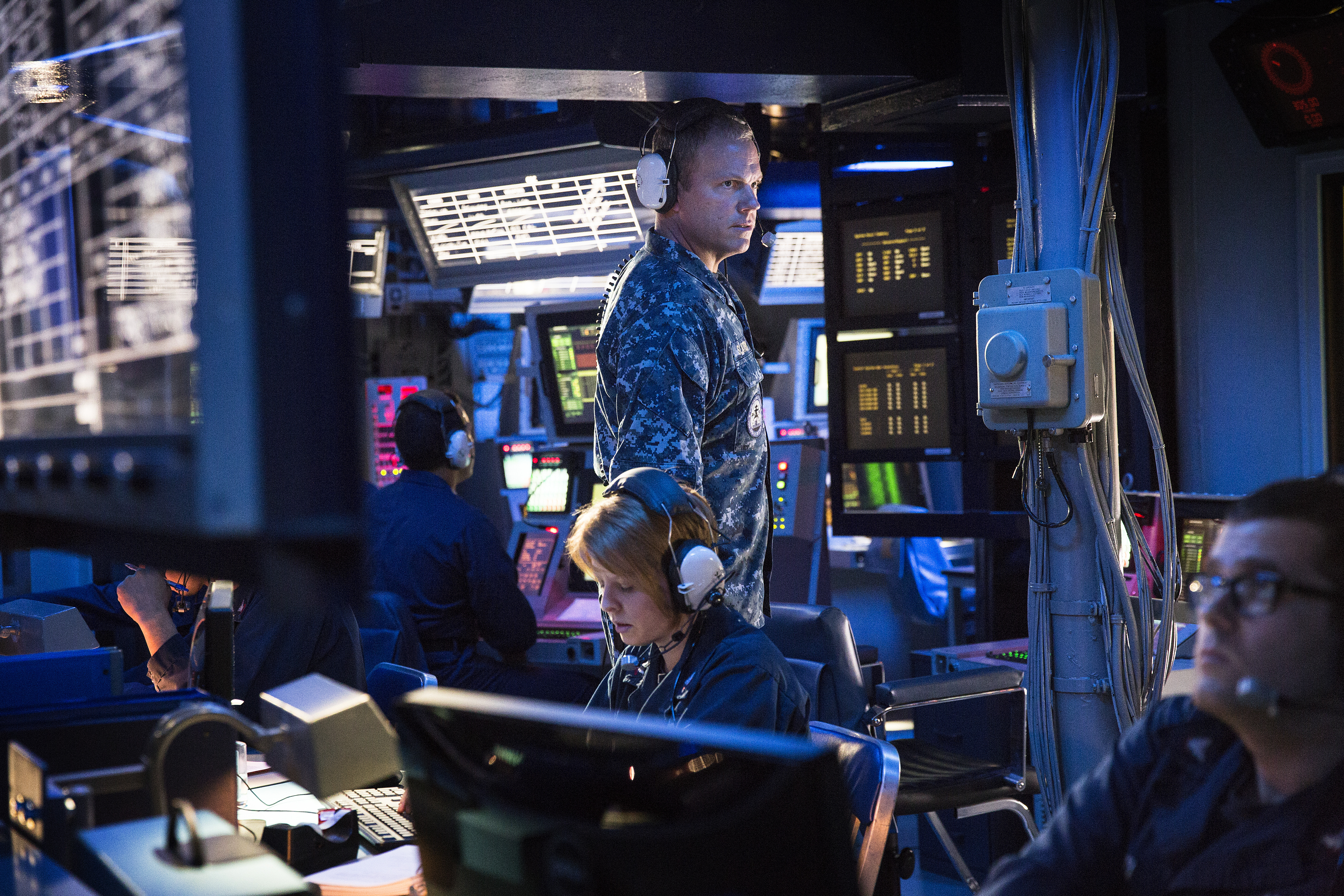 """8 Moments of Goodness from The Last Ship """"Alone and Unafraid"""""""