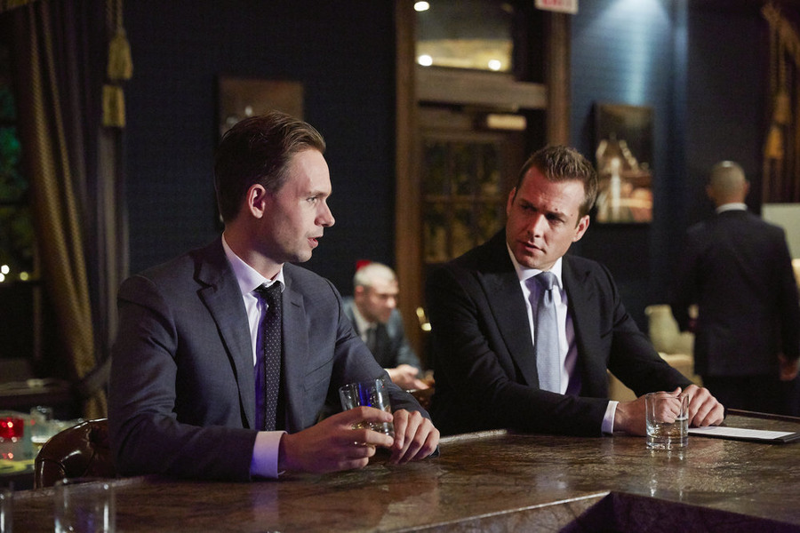 """Suits Preview: """"Uninvited Guests"""""""