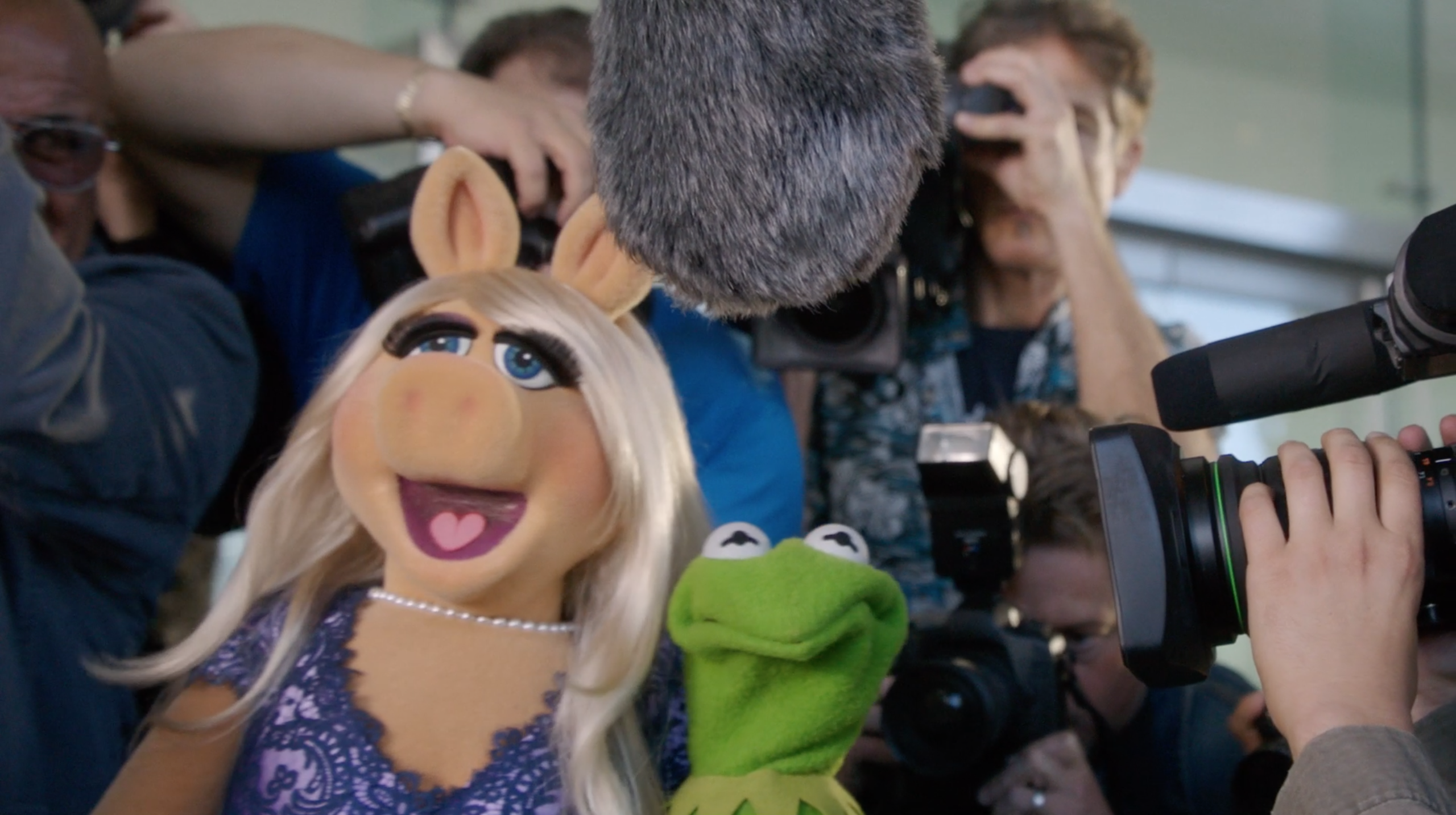 The Muppets' Kermit and Miss Piggy Do Lunch, Emmy Style