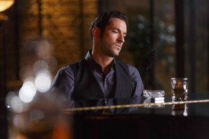 """LUCIFER: Tom Elis in """"Everything's Coming Up Lucifer"""" season premiere episode of LUCIFER airing Monday, Sept. 19 (9:01-10:00 PM ET/PT) on FOX ©2016 Fox Broadcasting Co. Cr: Michael Courtney/FOX."""