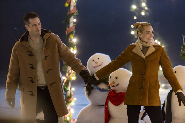 Luke Macfarlane Talks The Mistletoe Promise, Killjoys, Mercy Street and More [Exclusive]