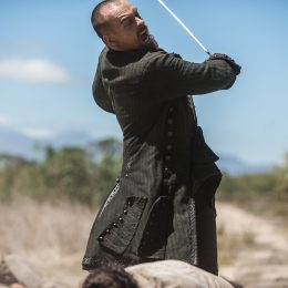 """The Battle For Nassau Gets Bloody in Black Sails """"XXXIV"""""""