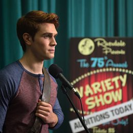 """Riverdale -- """"Chapter Six: Faster, Pussycats! Kill! Kill!"""" -- Image Number: RVD106a_ 0239.jpg -- Pictured: KJ Apa as Archie Andrews -- Photo: Diyah Pera/The CW -- © 2017 The CW Network. All Rights Reserved"""