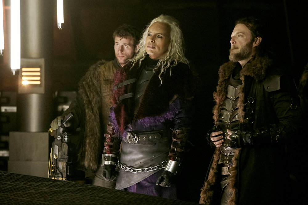 """Killjoys Preview: """"The Lion, The Witch, and The Warlord"""" w/Aaron Ashmore and Kelly McCormack"""