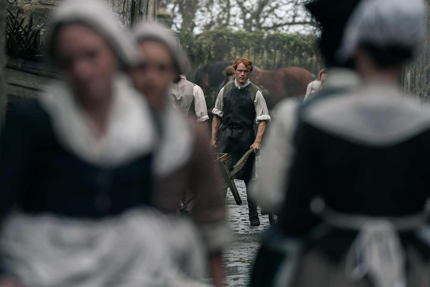 "Two Takes: Outlander ""Of Lost Things"""
