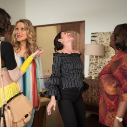 "GIRLFRIENDS' GUIDE TO DIVORCE -- ""Rule #930: Plan For New Plans"" Episode 405 -- Pictured: (l-r) Beau Garrett as Phoebe, Lisa Edelstein as Abby McCarthy, Retta as Barbara -- (Photo by: Diyah Pera/Bravo)"