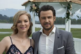 Cindy Busby Talks My Boyfriend's Back Wedding March 5 [Exclusive]
