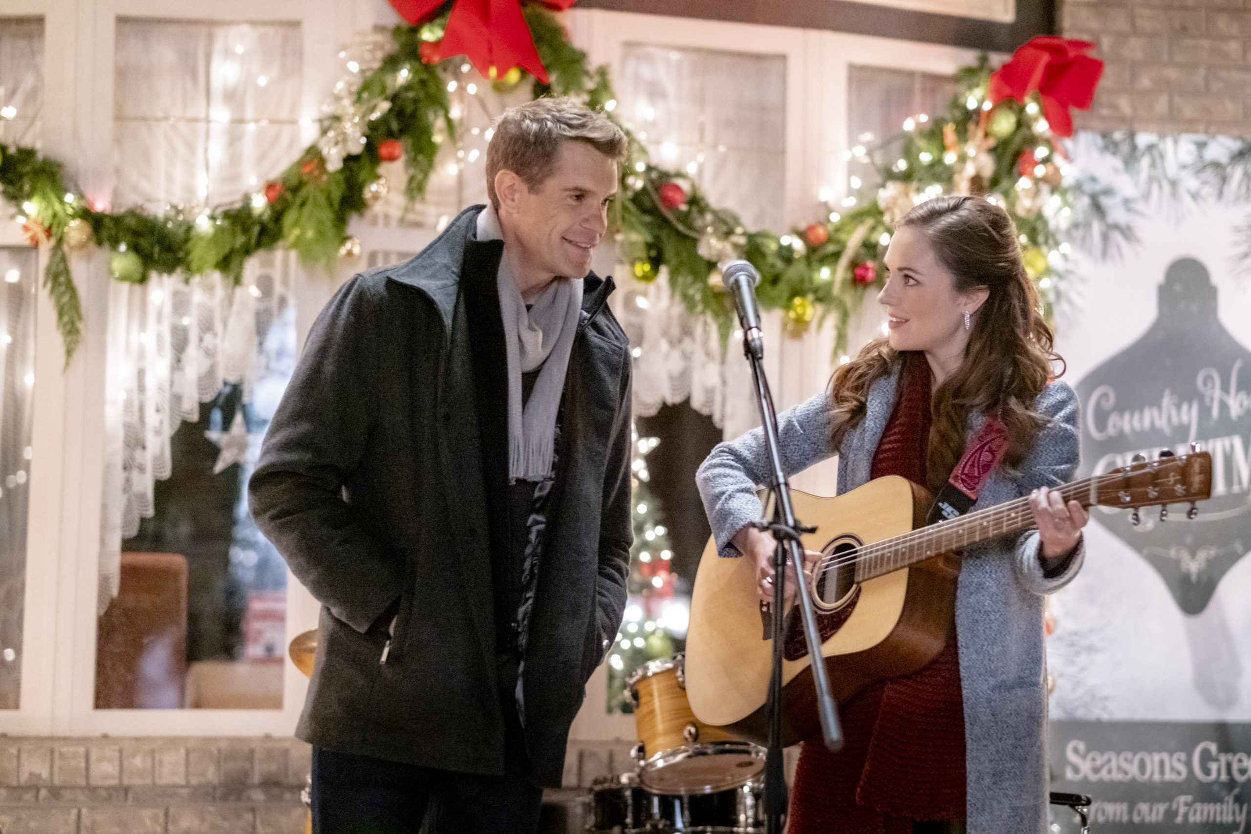 Stephen Huszar Talks A Homecoming for the Holidays and Mistletoe Magic [Exclusive]